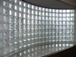 ガラスブロックの改修工事